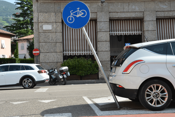 flexible traffic sign
